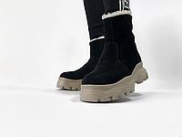 Женские ботинки из натуральной замши черного цвета
