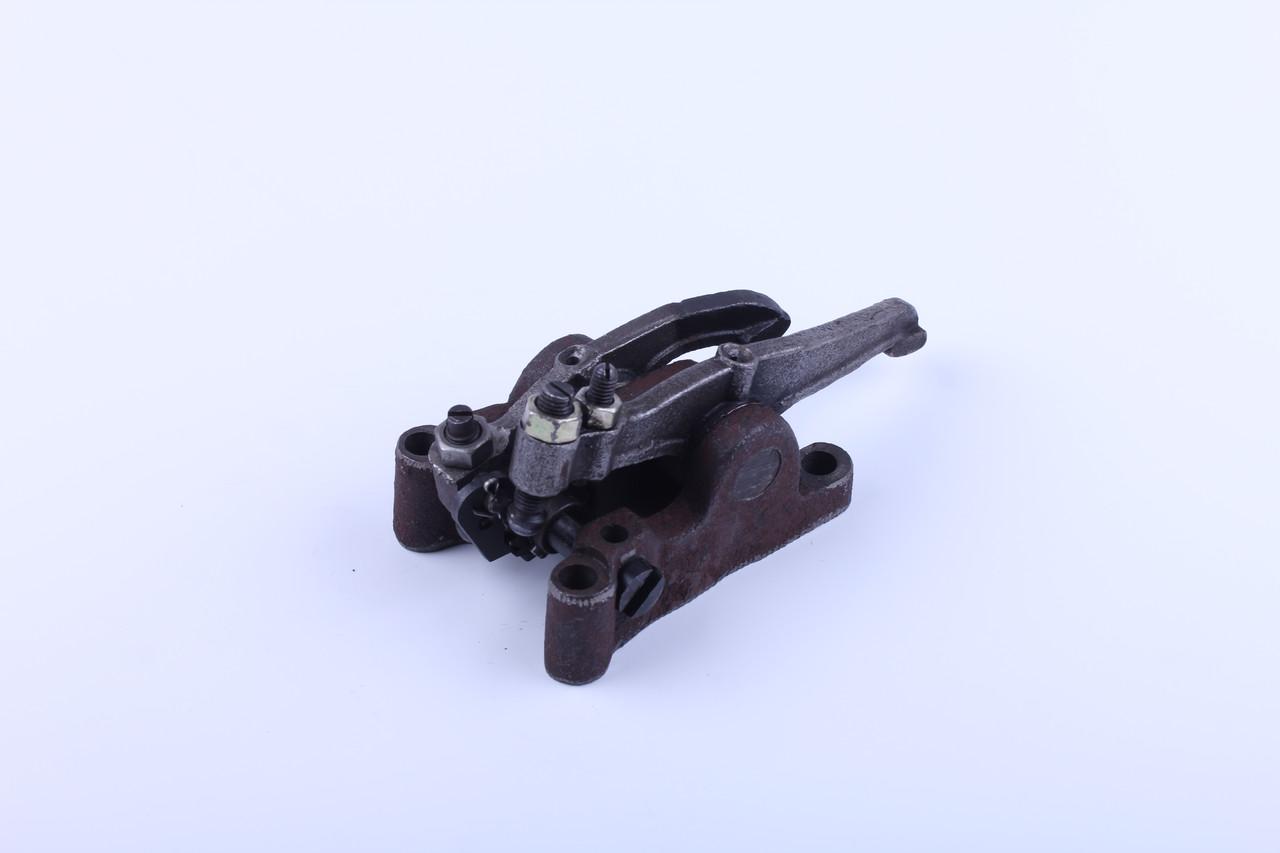 Стойка коромысла в сборе двигателя DL190-12