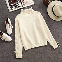 Теплый шерстяной свитер с высоким воротником