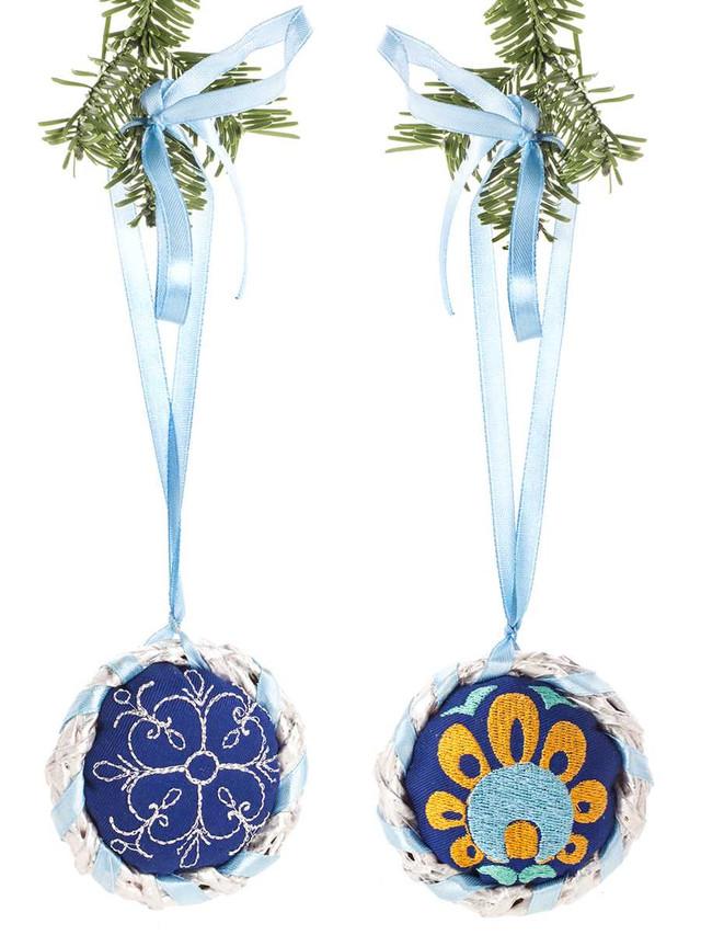 подарочный набор синих елочных вышитых украшений