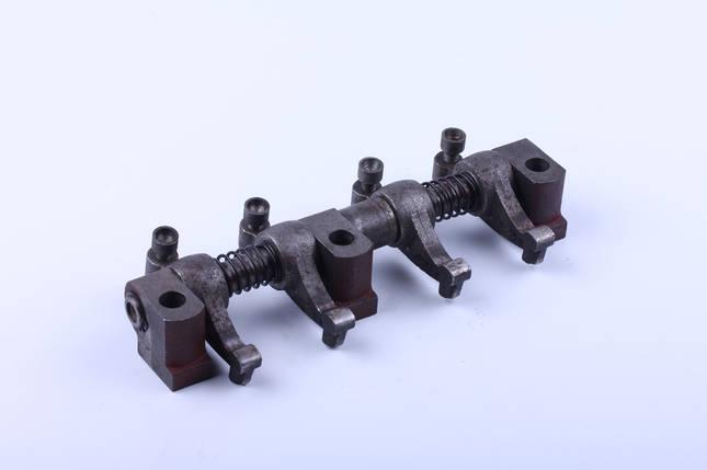 Ось коромысел в сборе с коромыслами и стойками двигателя TY290, фото 2