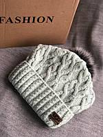 Мятная шапка на флисовой подкладке теплая с черным помпоном