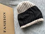 Бежевая с люриксом шапка на флисовой подкладке теплая с помпоном, фото 2