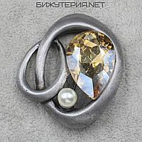 Винтажная брошь JB декорирована кристаллом золотого цвета и искусственным жемчугом - 1058337417