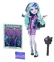 Кукла Monster High Твайла Новый Скарместр /Twyla New Scaremester