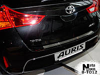 Toyota Auris 2012-2015 гг. Накладка на задний бампер Натанико (нерж)