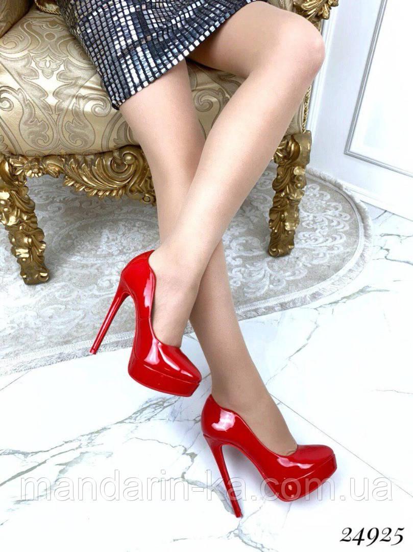 Туфли  женские  красные на  шпильке  13 см