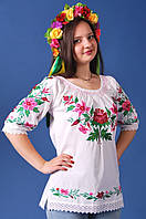 Легка жіноча полотняна біла вишиванка з яскравою подільською вишивкою квітами №142-1