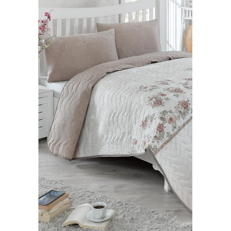 Покрывало 200х220 с наволочками на кровать, диван Сладкий сон