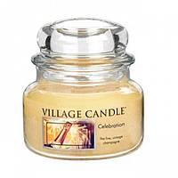 Свеча ароматизированная Village Candle Свято (час горіння до 55г)