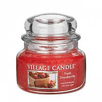 Свеча ароматизированная Village Candle Свіжа полуниця (час горіння до 55г)