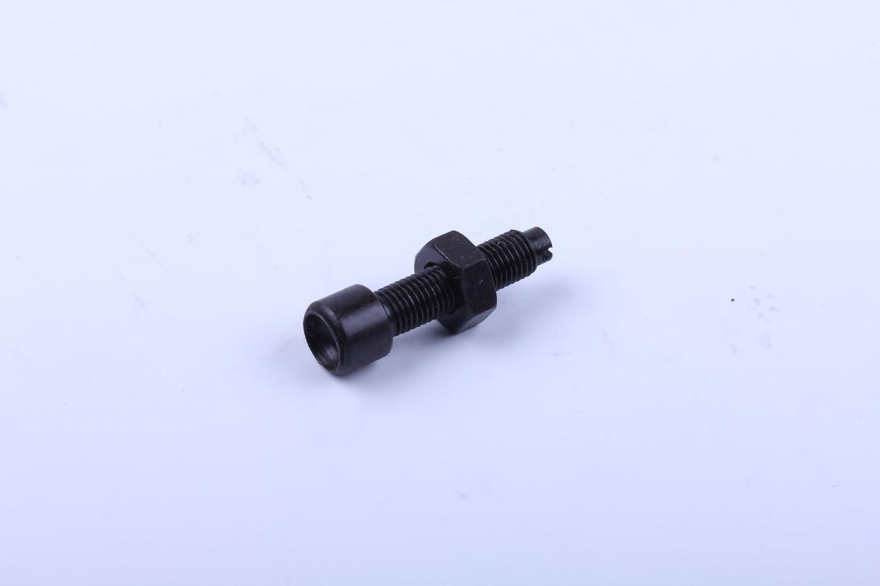 Болт коромысла двигателя KM130/138