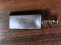 Стопор для защитных роллет Alutech в комплекте с винтом, цвет коричневый