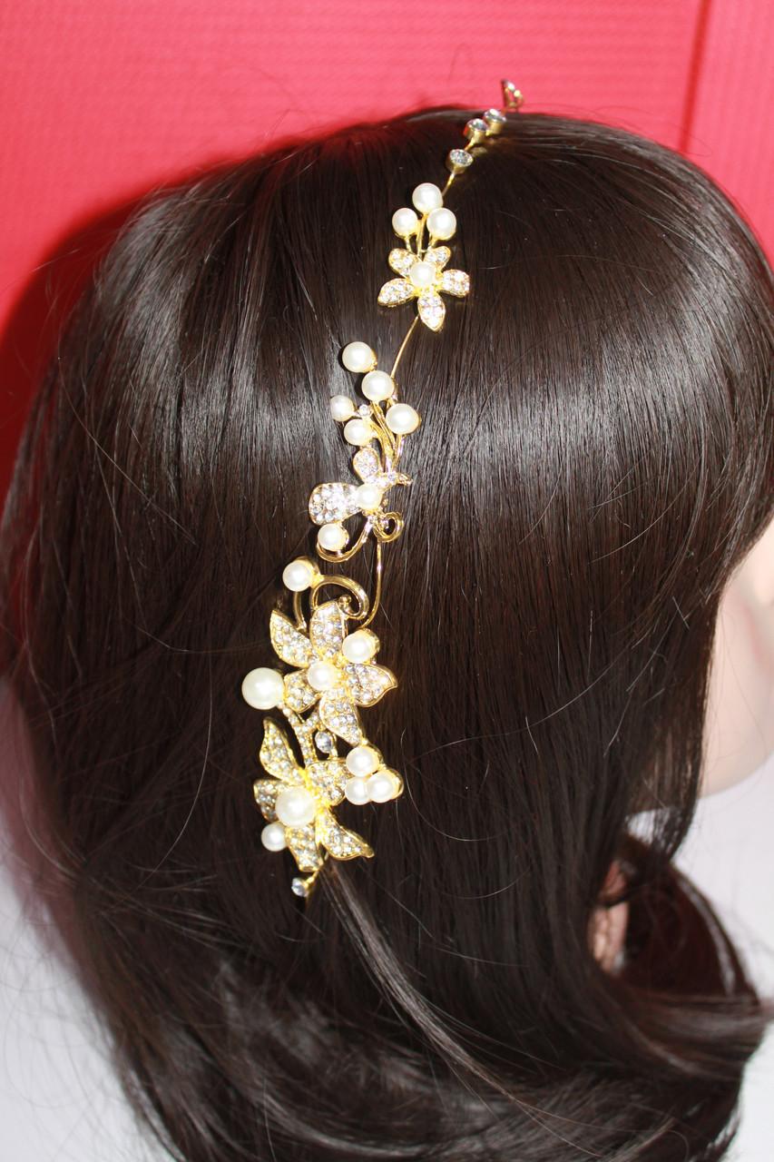Стильная золотая веточка с белыми камнями горный хрусталь для свадебной прически на свадьбу и торжество