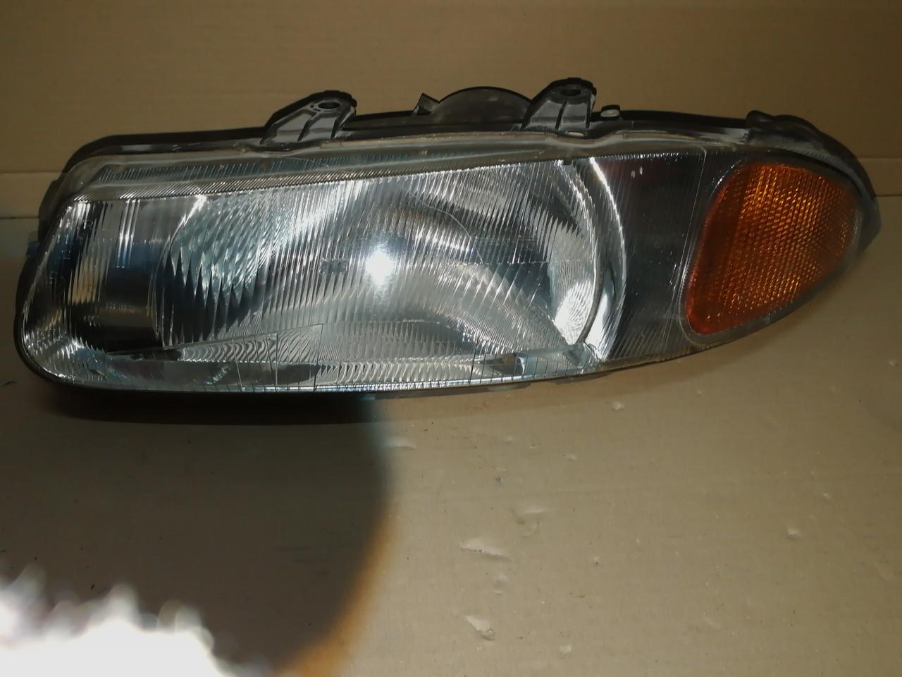 Фара передня права  Rover 214,216,220 1996г 88203078