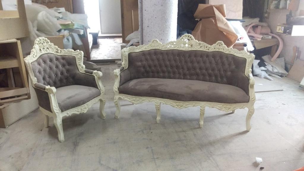Реставрація м'яких меблів в стилі бароко.