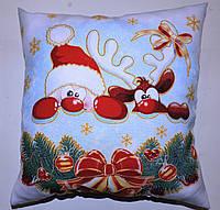 Подушка новогодняя декоративная с Дедом Морозом белая принт, фото 1