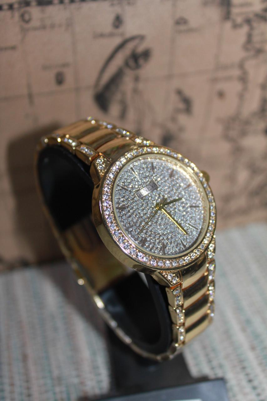 Часы наручные женские металлический ремешок с камнями