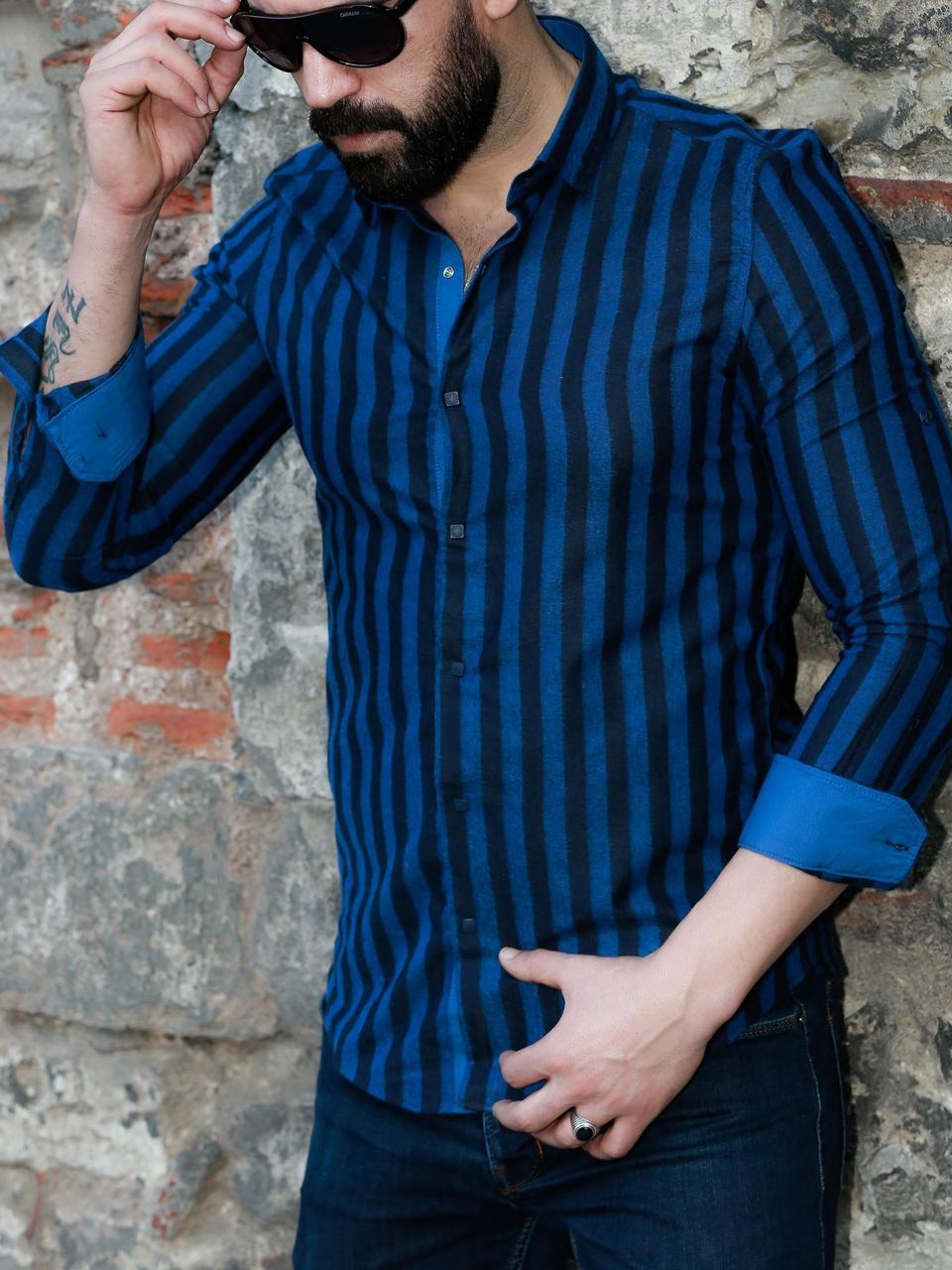 Чоловіча сорочка в синю смужку