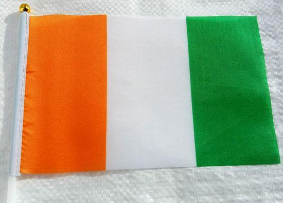 Флажок Кот-д'Ивуара 13x20см на пластиковом флагштоке