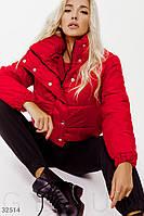 Короткая стеганая куртка красная