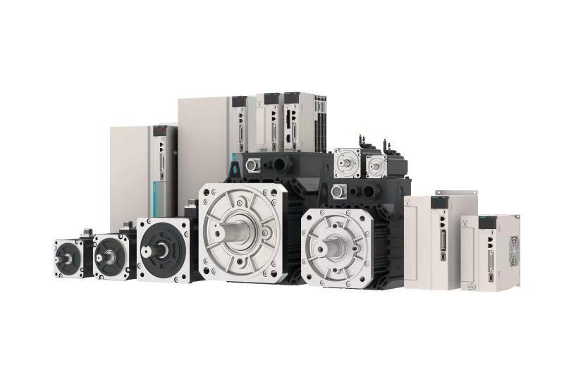 Комплектная сервосистема SD700 2,3 кВт 1500 об/мин 15 Нм с тормозом 3х220В энкодер 23 бита