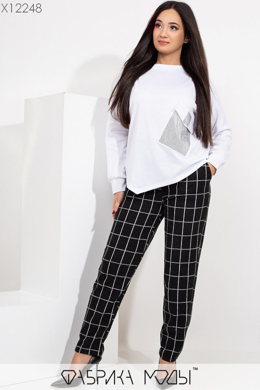 Женский брючный костюм с брюками в клетку и джемпером в больших размерах 1ba423