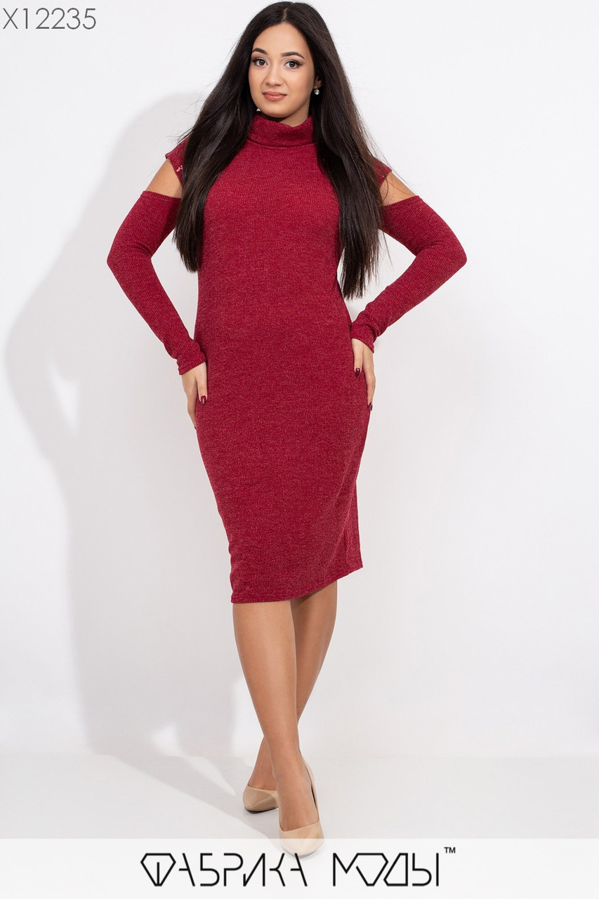 Вязаное платье в больших размерах с пайеткой и разрезами на плечах 1ba427