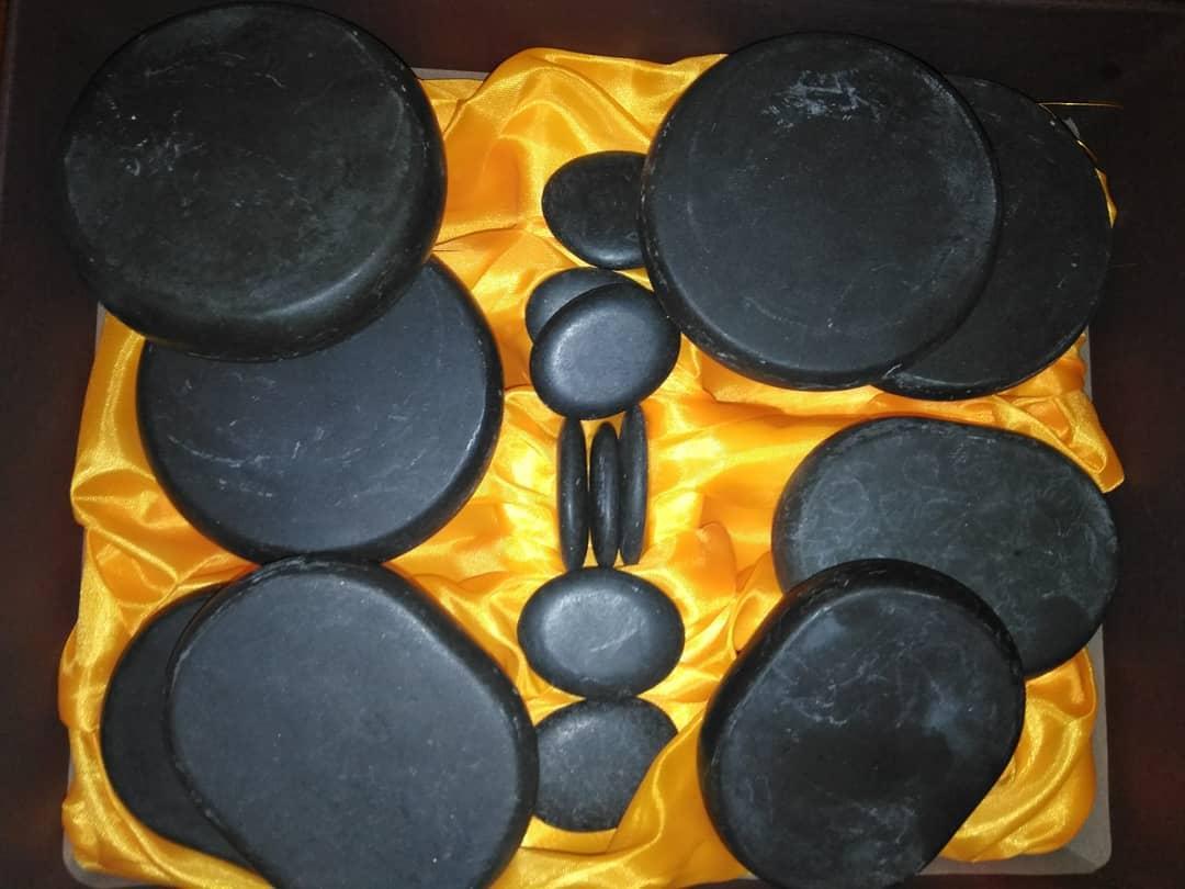 Базальтові камені стоуни для спа масажу масажні камені набір 16 штук