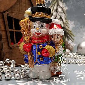 Стеклянная елочная игрушка Девочка со Снеговиком Irena