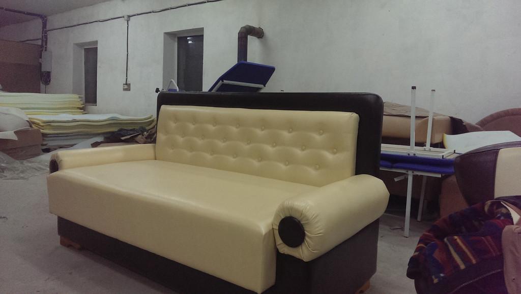 Реставрація сталінського дивана 3