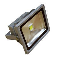Светодиодный прожектор SYZD 30W LED (тёплый свет 2700K - 3900K) уличный IP65 Solard