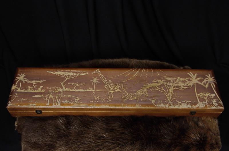 Лазерная гравировка на колчанах, футлярах из вяза