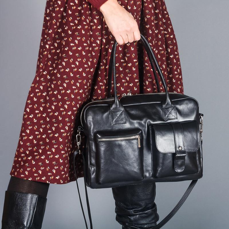 Деловая женская сумка из черной натуральной кожи . Индивидуальный пошив в любом цвете.