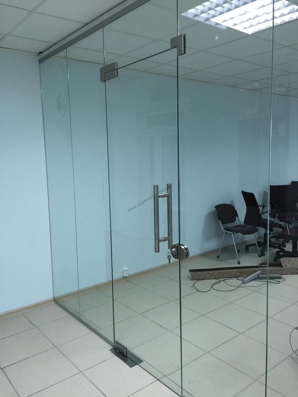 Стеклянные перегородки для офиса из каленого прозрачного стекла 10 мм