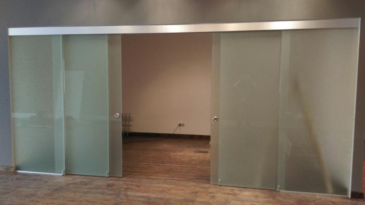 29 Перегородка из стекла с раздвижной системой и зацепами, одна дверь тянет другую. Стеклянная перегородка раз