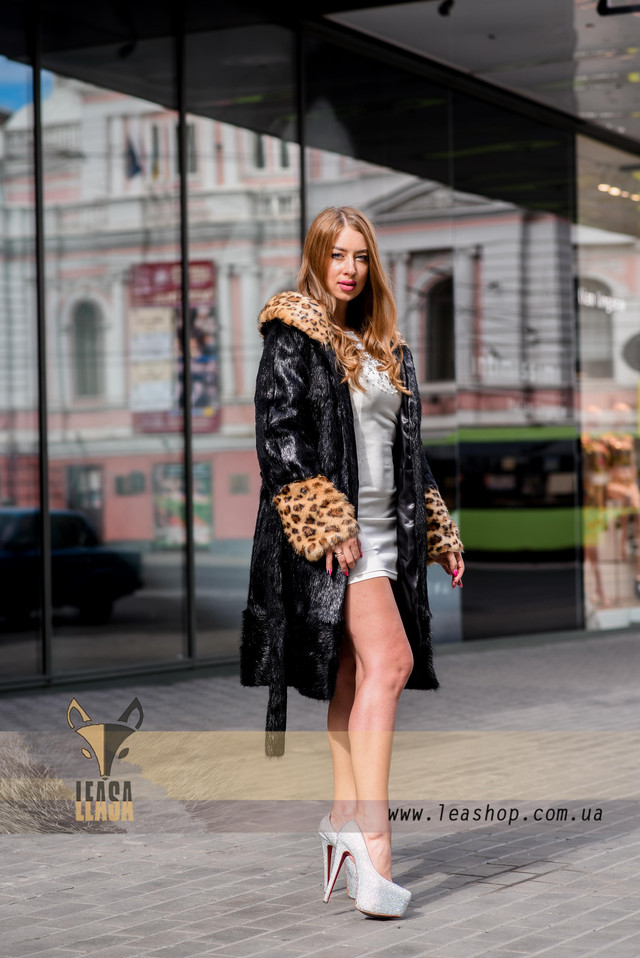 Шуба с леопардовыми манжетами, ФОТО