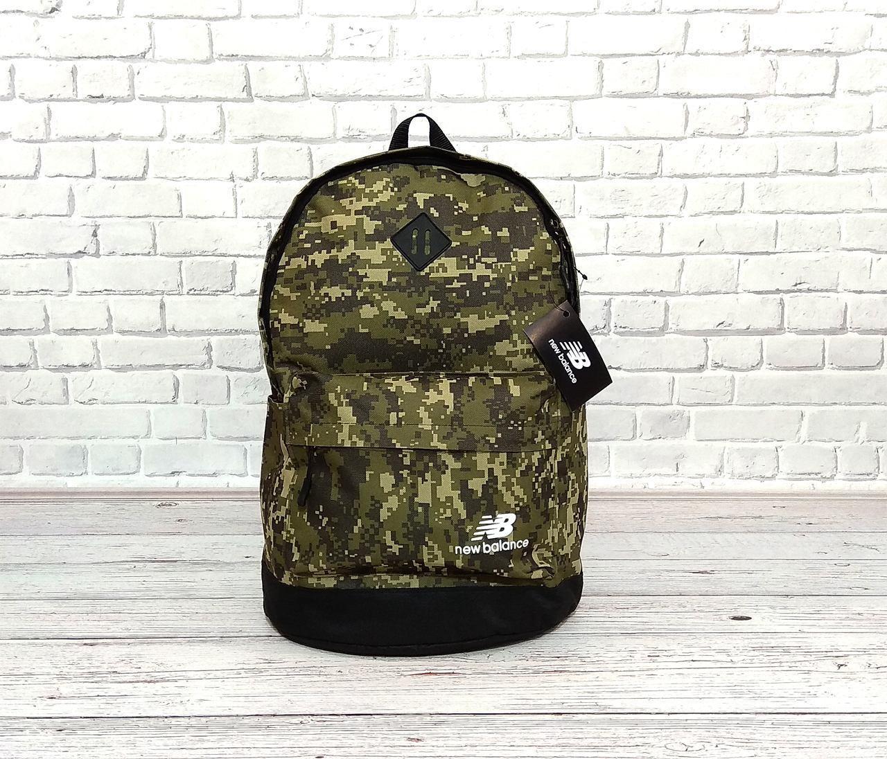 Вместительный рюкзак New Balance, нью бэланс. Пиксель, хаки, камуфляжный.