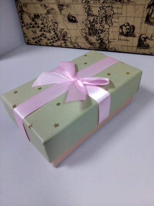 Подарочная коробочка прямоугольная с розовым бантиком 15 см