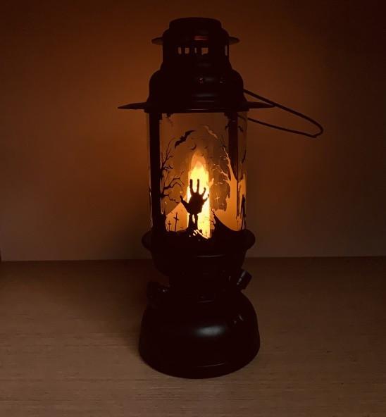 Керосиновая лампа на Хэллоуин Halloween 27 см (Моргает свеча, издает смех)