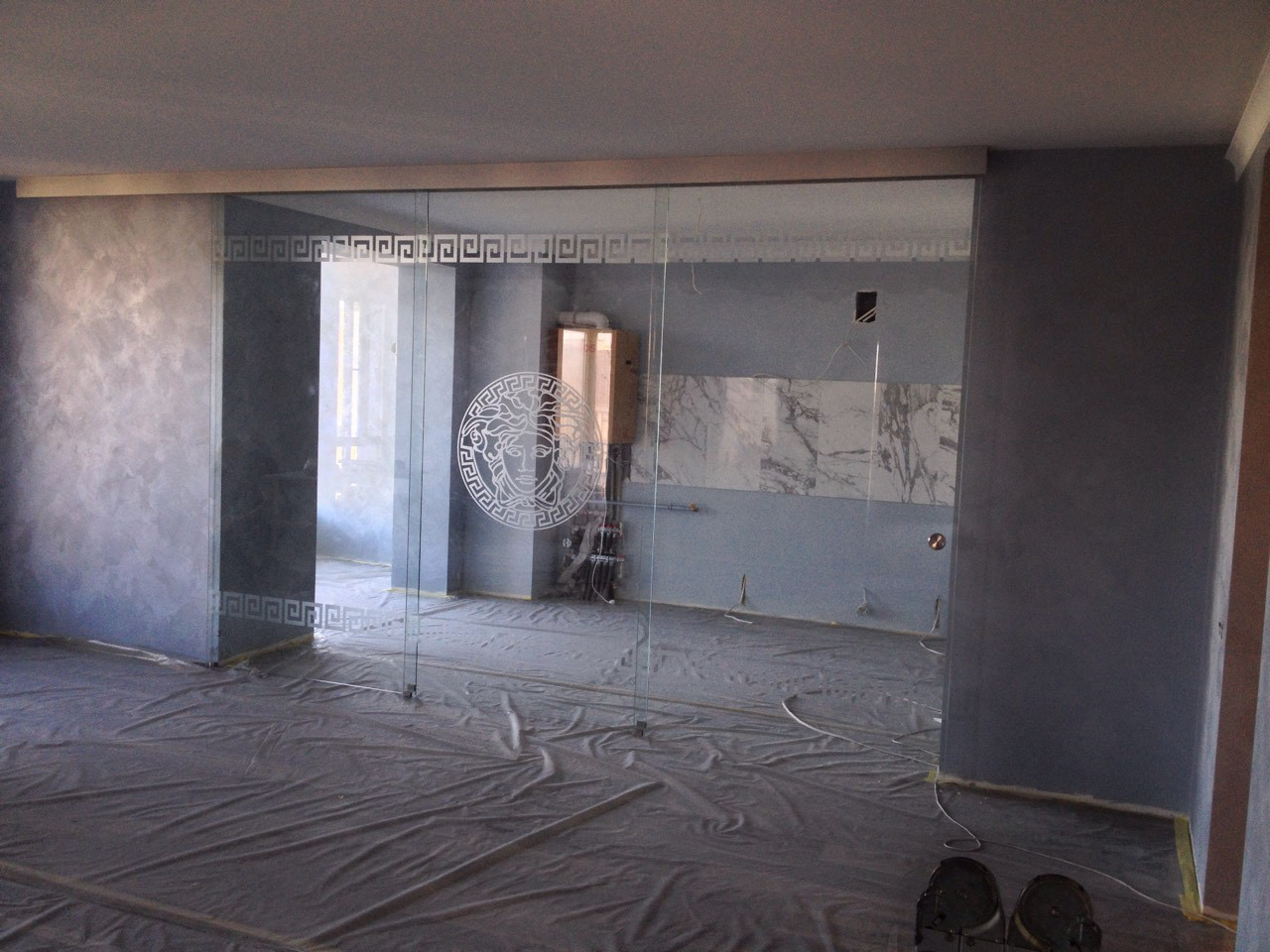 1 Раздвижная дверь из стекла - Стеклянная раздвижная перегородка из прозрачного каленного стекла с рисунком