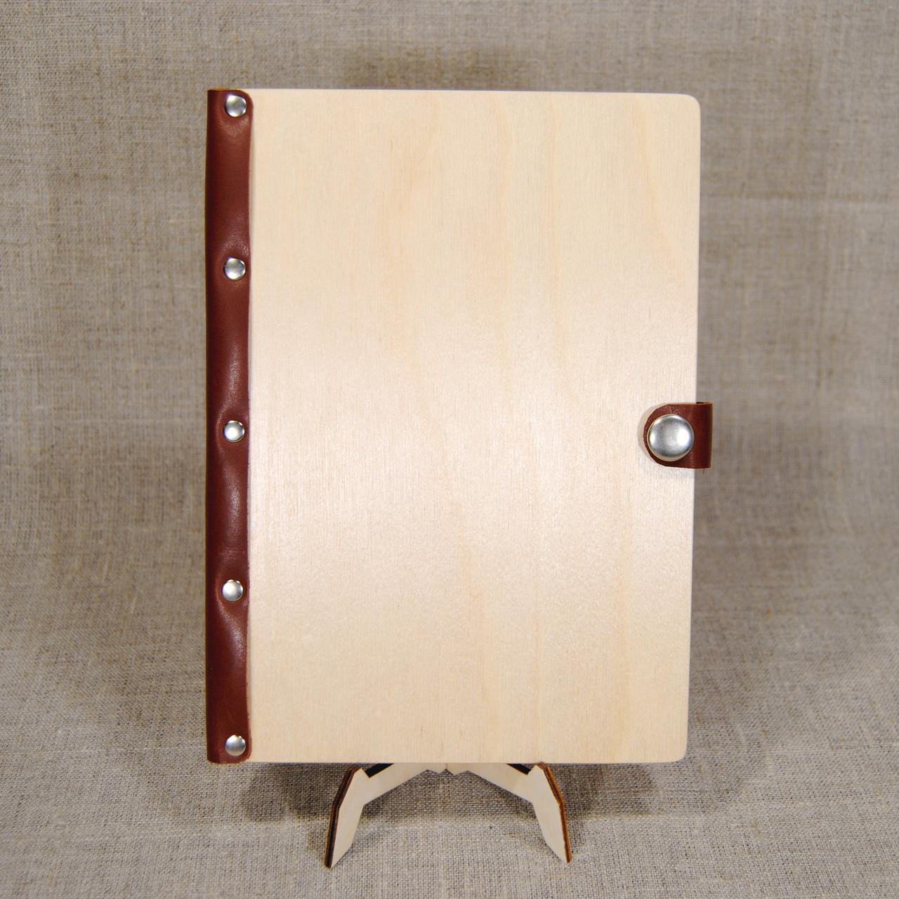 Деревянный ежедневник M (формат А5) с кожаным корешком