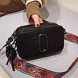 Сумка женская под крокодила Camera Bag  в стиле Marc Jacobs с ацтекским ремнем (черная), фото 3
