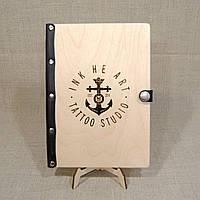 Деревянный ежедневник М (А5) с кожаным корешком ручной работы с лазерной гравировкой логотипа
