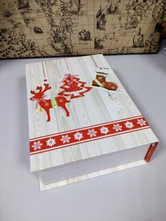 Коробочка подарочная новогодняя в виде книги шкатулки с рисунком 23 см