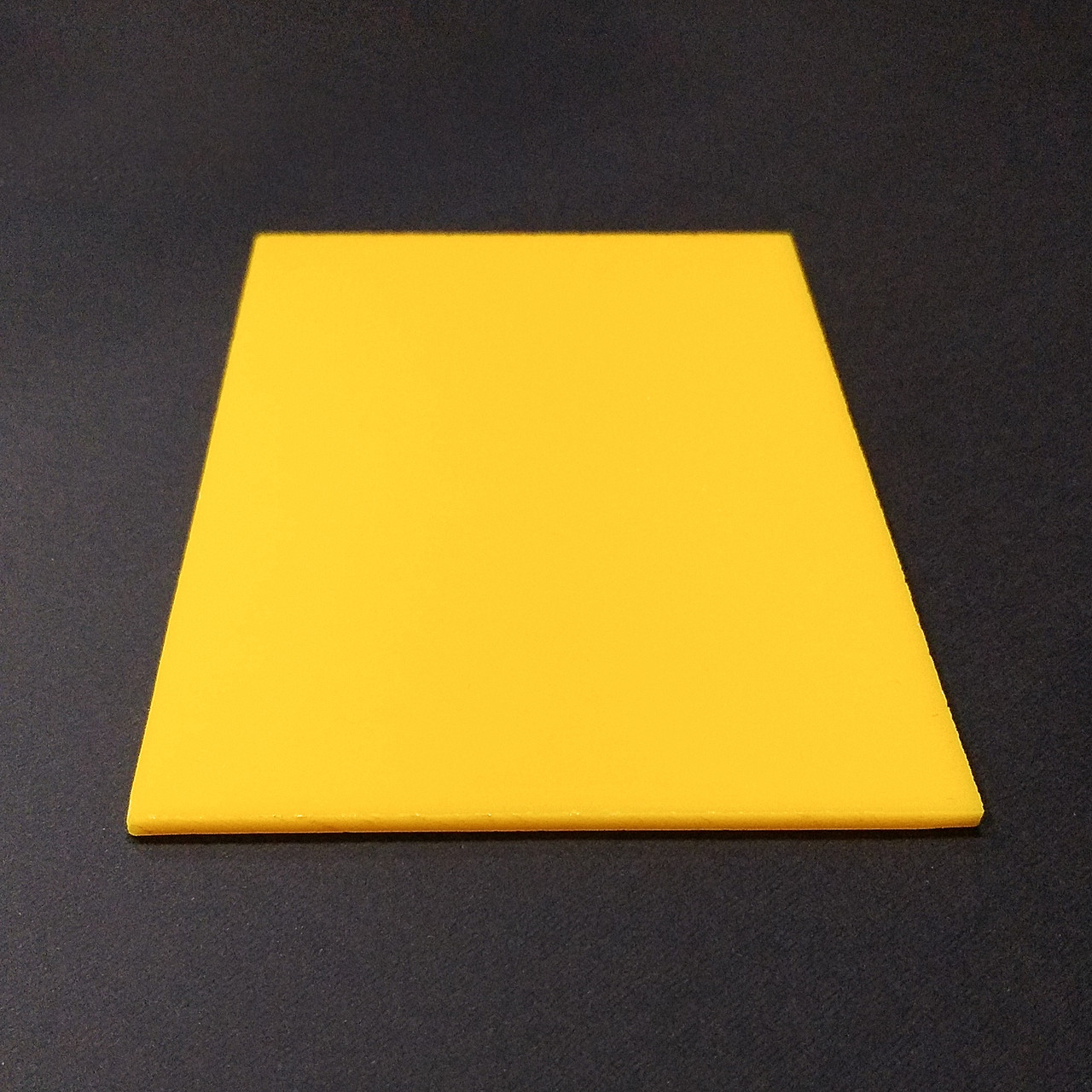 Акрил Plexima XT Diffuser, жёлтый, 3 мм