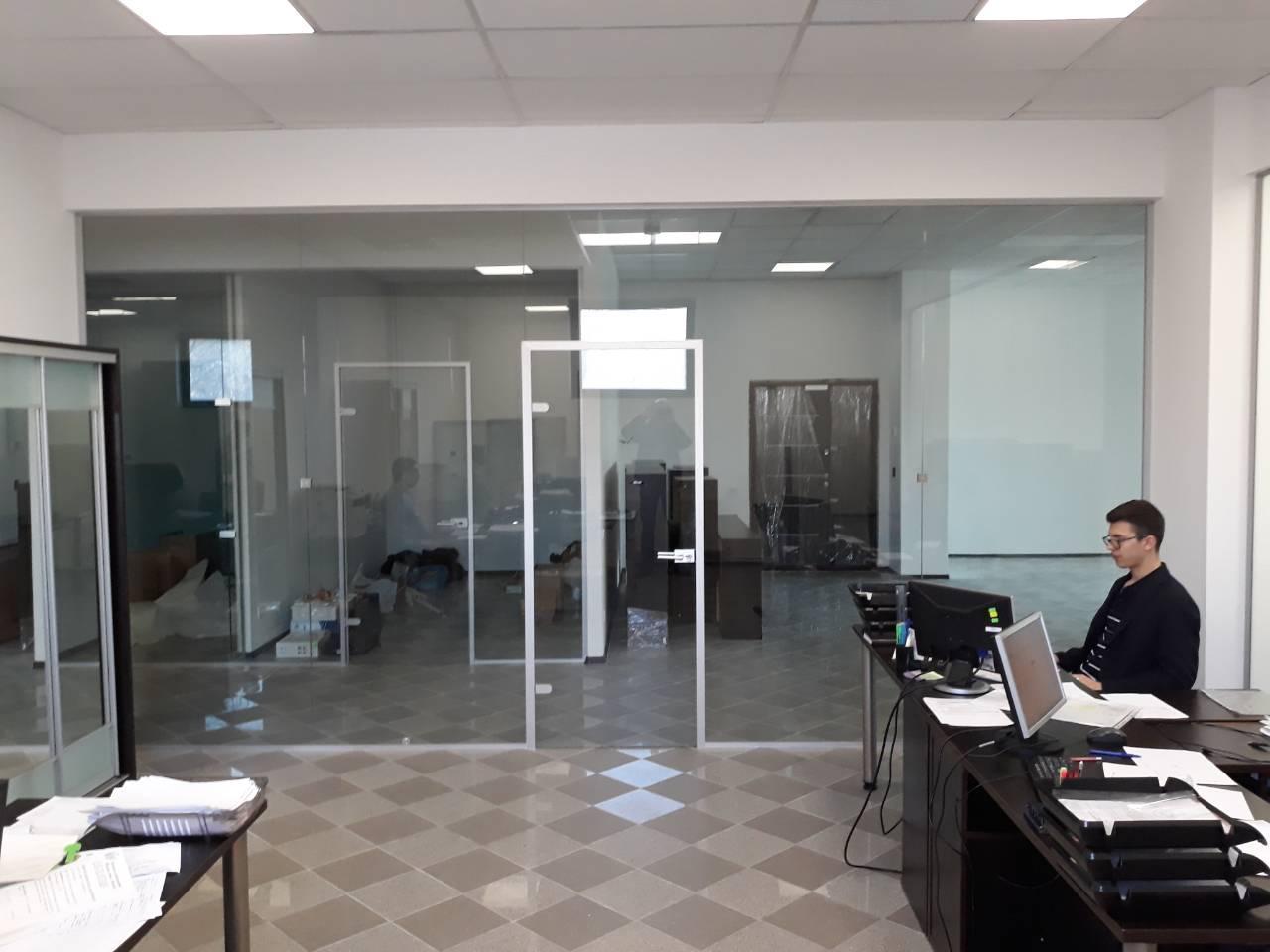 Офисная стеклянная перегородка с фурнитурой Palermo в Днепре