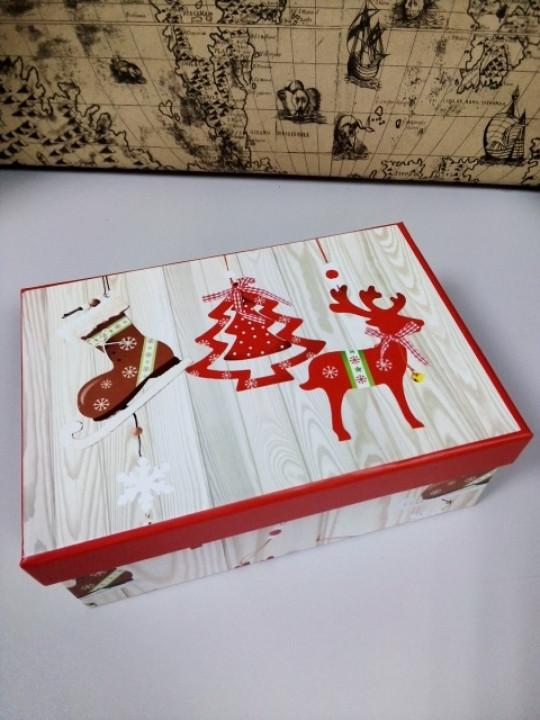Коробочка подарочная с новогодним рисунком 18.5 см
