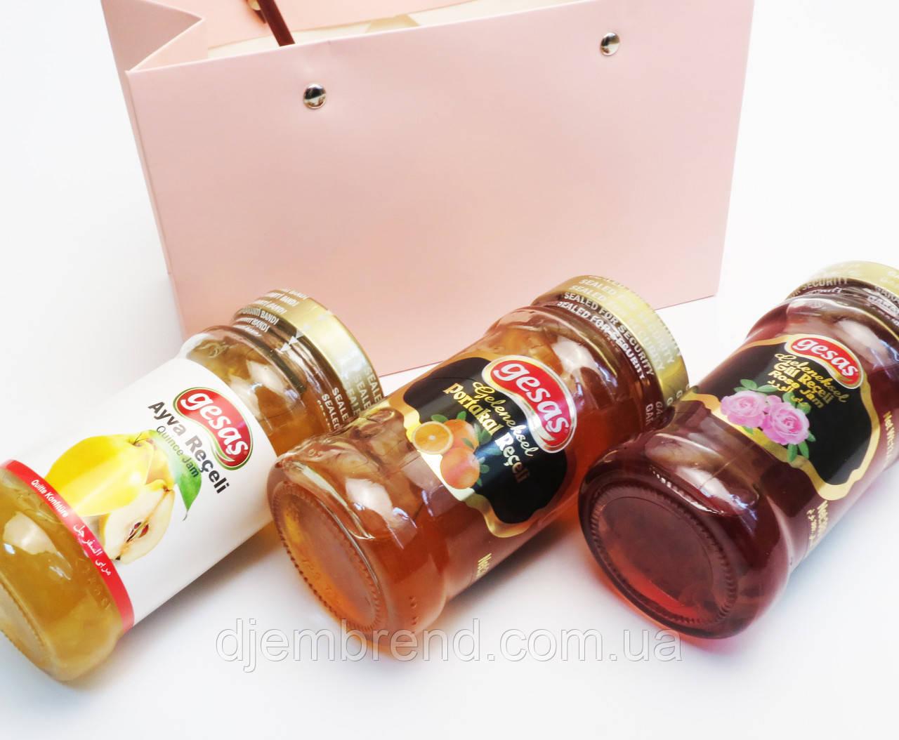 Подарочный набор из трех видов варенья Gesas, к Новому году