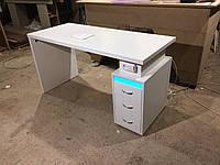 Стол для мастера маникюра c бактерицидной лампой